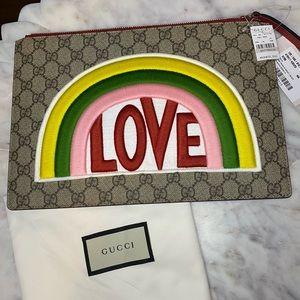 Gucci supreme Love clutch 🌈